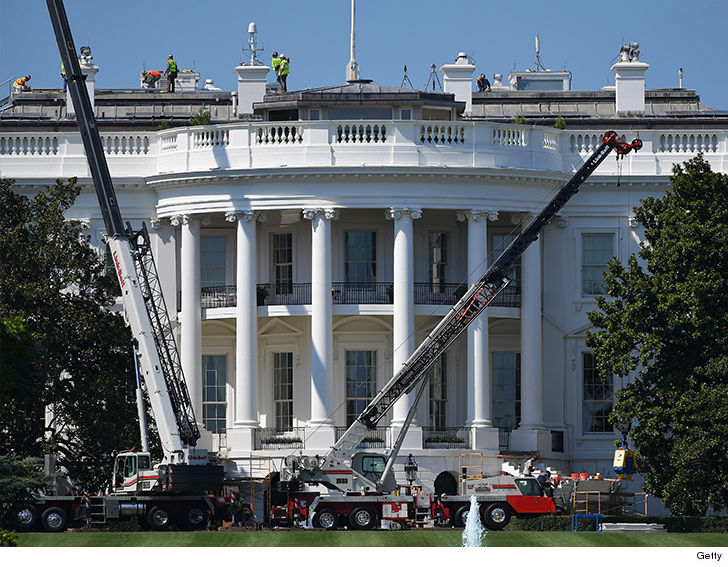 A look inside the White House construction