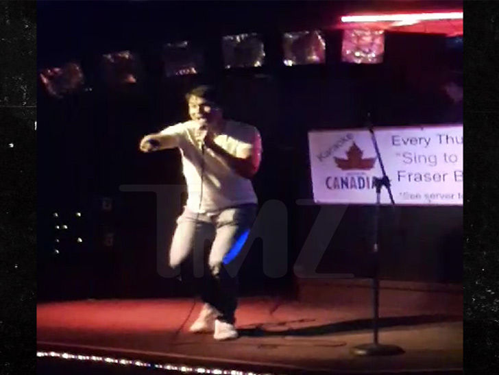 Jerry O'Connell Sings Karaoke, Puts Heart and Soul Into The Weeknd Song