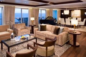 Julianne Hough's Suite