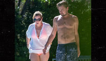 'Titanic' Stars Leonardo DiCaprio and Kate Winslet Together in Saint-Tropez