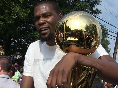 Kevin Durant on Trump: 'We Don't F*ck With Him'