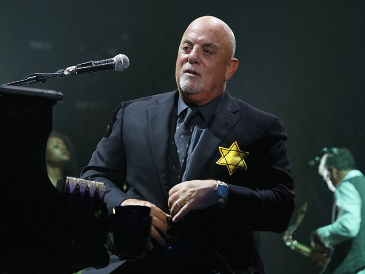 Billy Joel Wears Yellow Star of David Onstage Post-Charlottesville