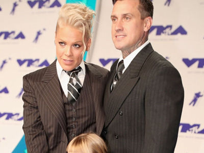 P!nk and Carey Hart's Kids Might Have the Cutest Celebrity Christmas Photo Yet