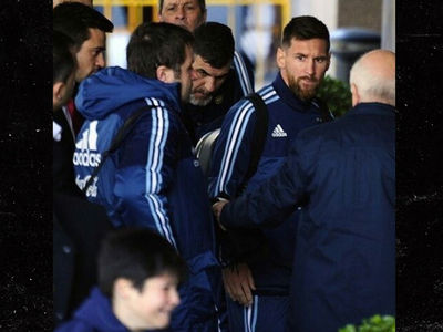 Lionel Messi Stops Security Guard from Dragging Away Young Fan