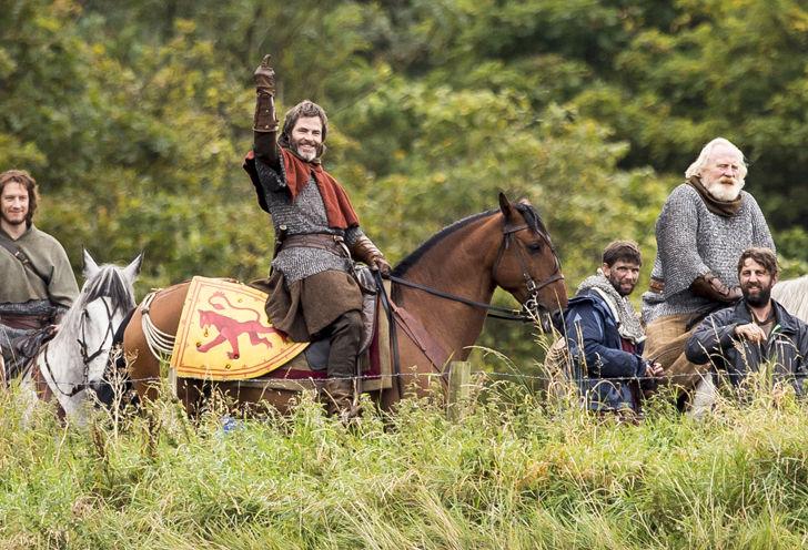 Chris Pine Royally Screws You Like a True 14th Century King!!!