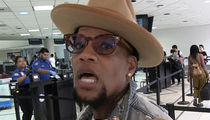 D. L. Hughley Says Trump is A Lot Like the Kardashians When it Comes to Obama