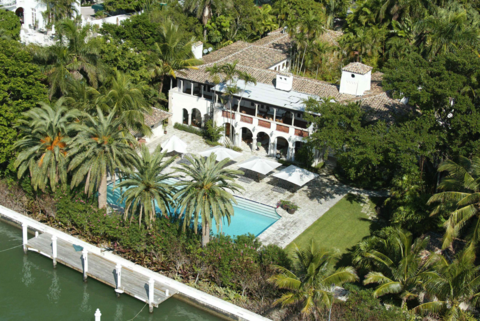 Phil Collins' Miami Beach mansion was once owned by Jennifer Lopez. He bought the home for $33,000,000.