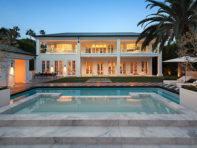 Floyd Mayweather Buys Beverly Hills Mansion for $26 Million