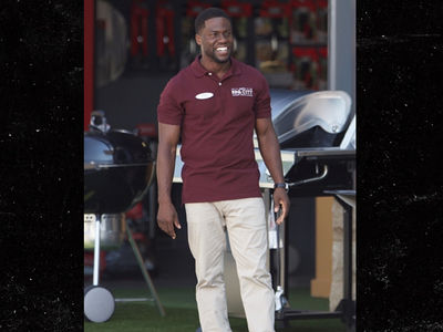 Kevin Hart Working, Smiling Through Extortion Scandal