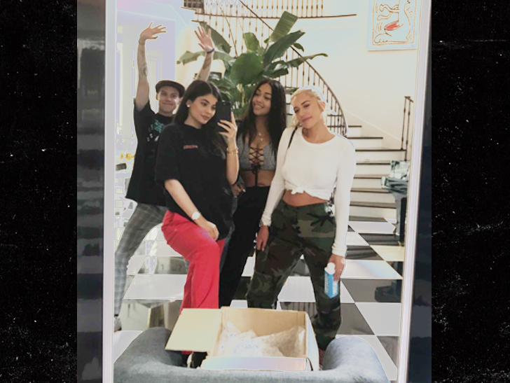 Ewoo! Kylie Jenner is pregnant y'all
