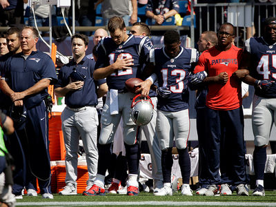 Tom Brady Locks Arms with Team During National Anthem, Trump Approves