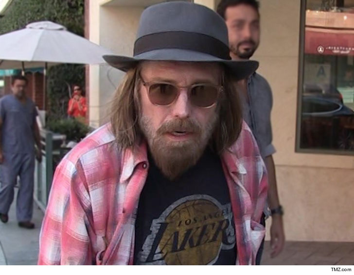 TMZ: Tom Petty taken to hospital in full cardiac arrest