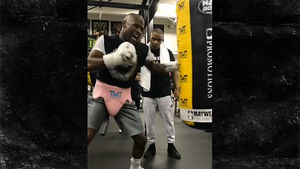 Mayweather Hits the Boxing Gym