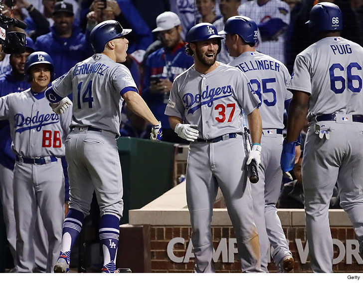 the los angeles dodgers will all be upright tuesday when the national anthem is sung before game 1 of the world series tmz sports has learned