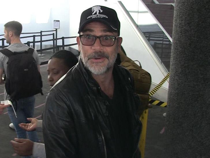 'Walking Dead' Star Jeffrey Dean Morgan: L.A. Dodgers Can Use 'Lucille'