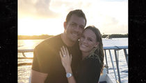 Caroline Wozniacki Engaged to NBA Star David Lee with Huge Ring!