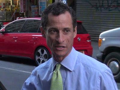 Anthony Weiner Begins Serving Prison Sentence for Sexting Minor (UPDATE)