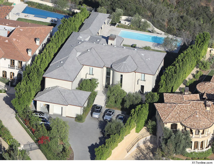Kim kardashian kanye west sell bel air mansion for huge for Kanye west house address