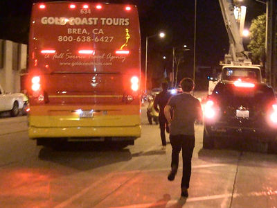Nashville Predators Team Bus Ditches 2 Guys In Hollywood, Wait For Us!!