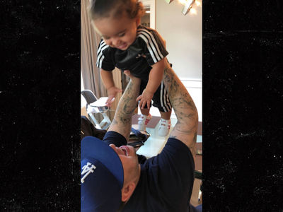 Rob Kardashian Throws Dream Her First Birthday Party, Aunties Show Up Too