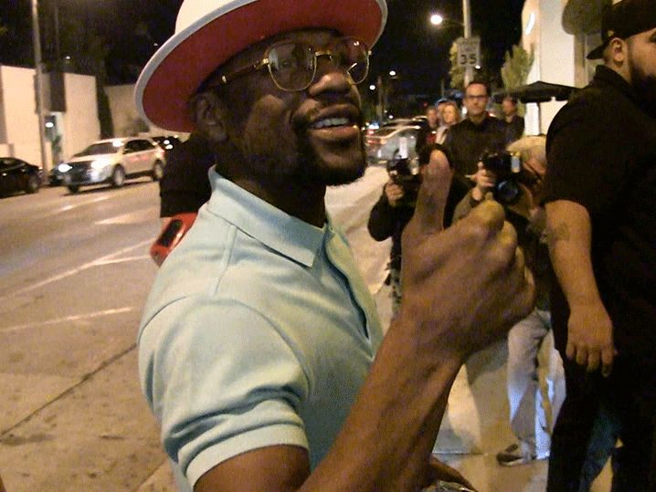Floyd Mayweather Balls Out in L.A., But There