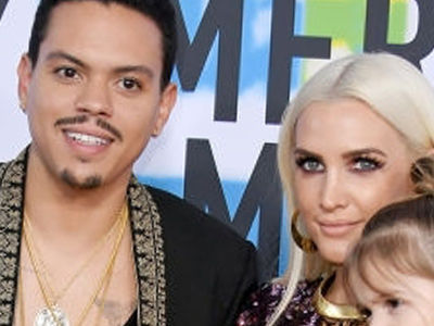 Awww! Evan Ross & Ashlee Simpson's Two Kids Hit the AMA Red Carpet -- And They're ADORABLE!