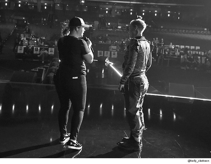 Pink and Kelly Clarkson Rehearsing for AMAs in New Photo