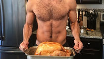 Guess Whose Model Bird Bod is in This Cookin' Selfie!