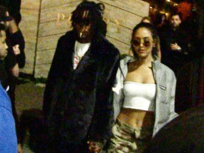 Wiz Khalifa Hits Up Joint With Smoking Hot Girlfriend