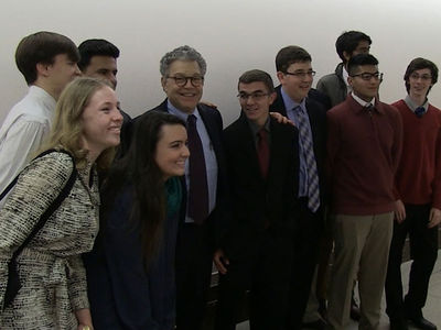 Al Franken Smiles and Poses for Photo with Students Amid Harassment Allegations