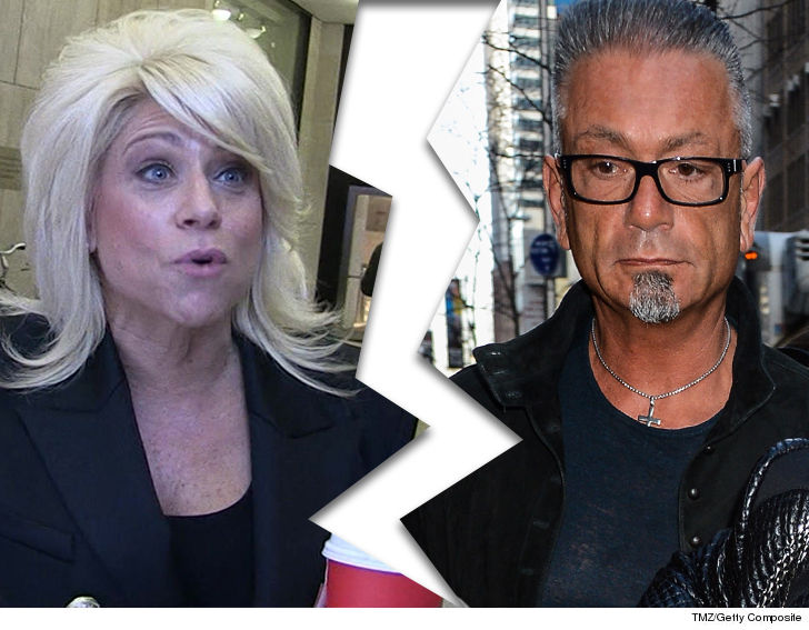'Long Island Medium' star Theresa Caputo splits from husband Larry