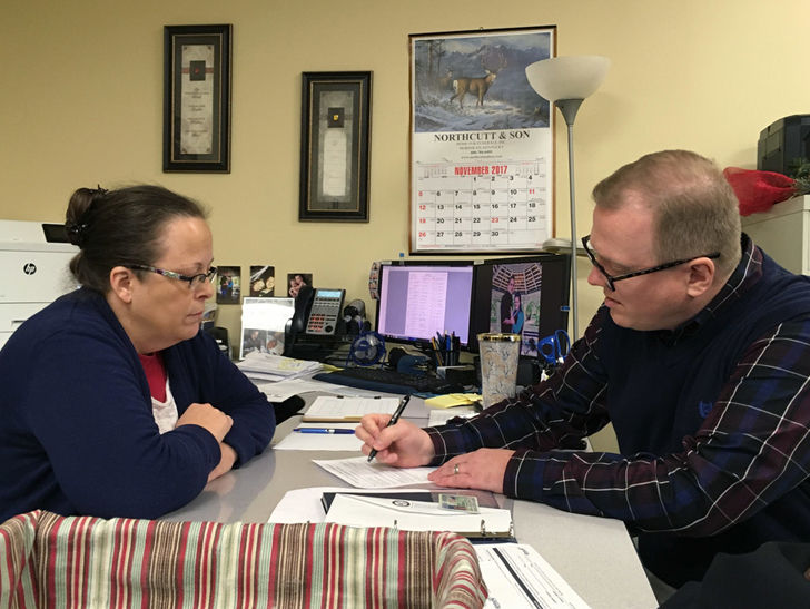 Kentucky County Clerk Kim Davis Challenged By Gay Man She Denied Marriage License