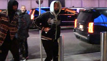 Odell Beckham Jr. Ditches Walking Boot for Knicks Game