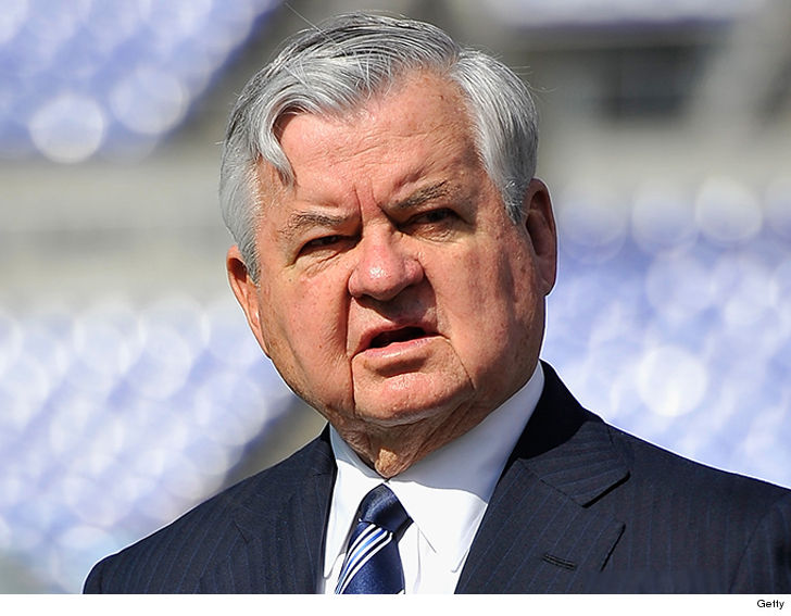 Panthers Owner Jerry Richardson Is Under Investigation For Workplace Misconduct