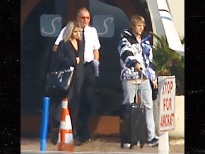 Justin Bieber and Selena Gomez Jetting Out of Town Together