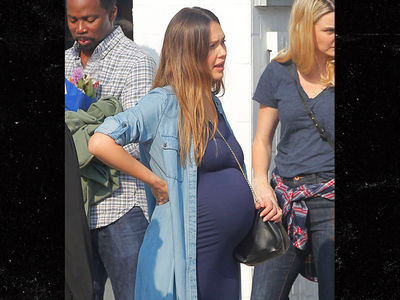 Jessica Alba Is Very Pregnant But Still on the Go in Bev Hills