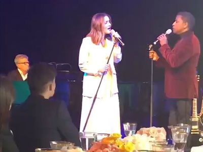 Katharine McPhee, David Foster Perform Christmas Songs Together at Holiday Party