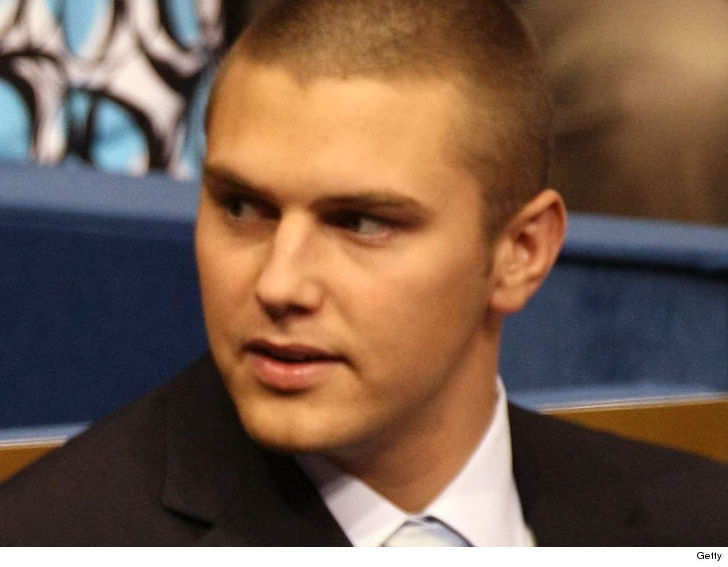 Track Palin Allegedly Assaulted His Dad ... Sarah Palin Called Cops