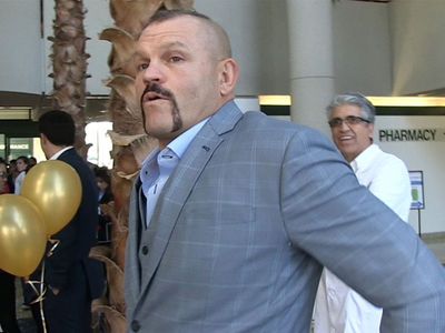 Chuck Liddell: Floyd Mayweather Can't Fight in the UFC, 'He's Gonna Get Hurt'