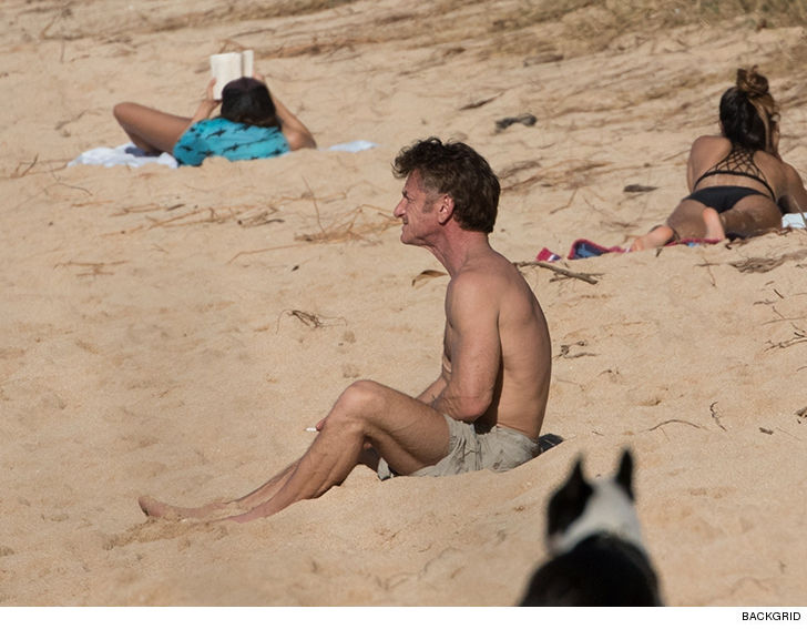 Sean Penn Brings His Model Daughter, Dylan, to the Beach With Him 2