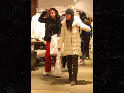Kyle Richards and Bethenny Frankel Shopping in Aspen after Burglary