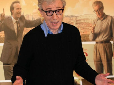 Alec Baldwin Defends Woody Allen as Everyone Else In Hollywood Distances Themselves from Director