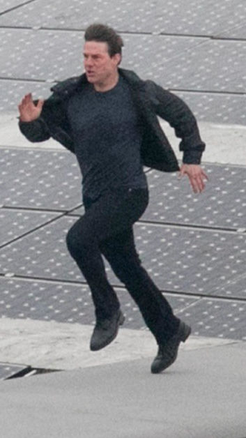 <span>Tom Cruise runs across the glass roof of Blackfriars train station in London filming scenes for the new Mission Impossible movie. </span>