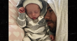 Enrique Iglesias, Anna Kournikova Post First Pics of Twins (UPDATE)