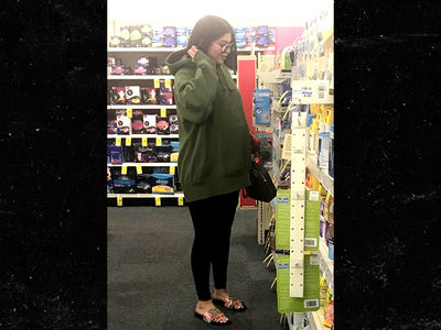 Photo of 'Kylie Jenner' at CVS Is Not Kylie