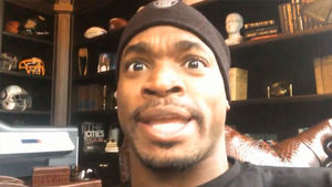 Adrian Peterson Gives Pump Up Message to Vikings, 'No Regrets!'