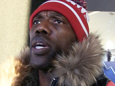 Terrell Owens: Wanna Beat Tom Brady? 'Put Your Foot on the Throat'