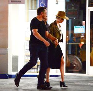 Elon Musk and Amber Heard -- Hand-Holding Dinner Date