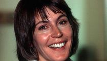 """""""I Am Woman"""" Singer Helen Reddy 'Memba Her?!"""