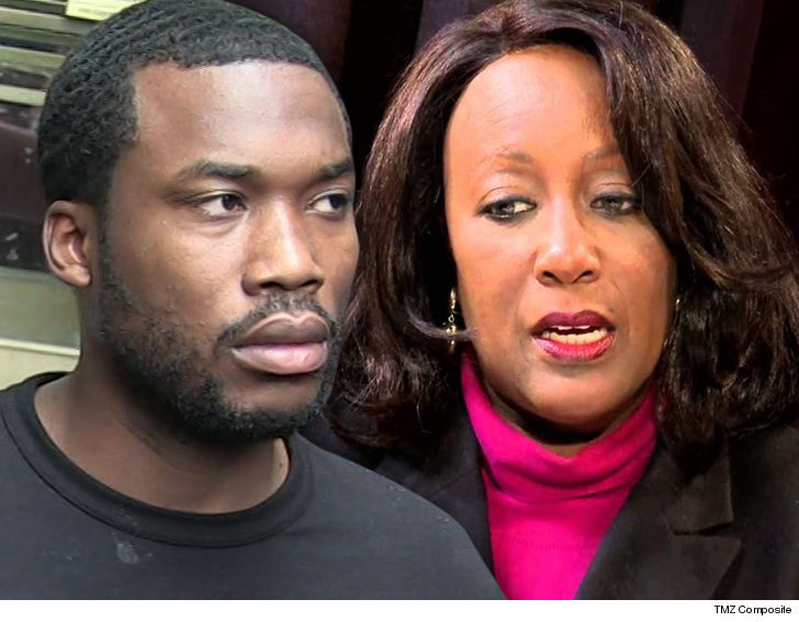 Philadelphia court clerk fired after asking Meek Mill for money during trial